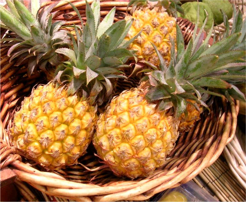 http://recettessimples.fr/images/Ananas%20Victoria.jpg