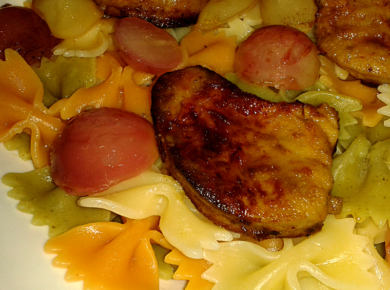 Farfalles tricolores au Foie gras et Raisins