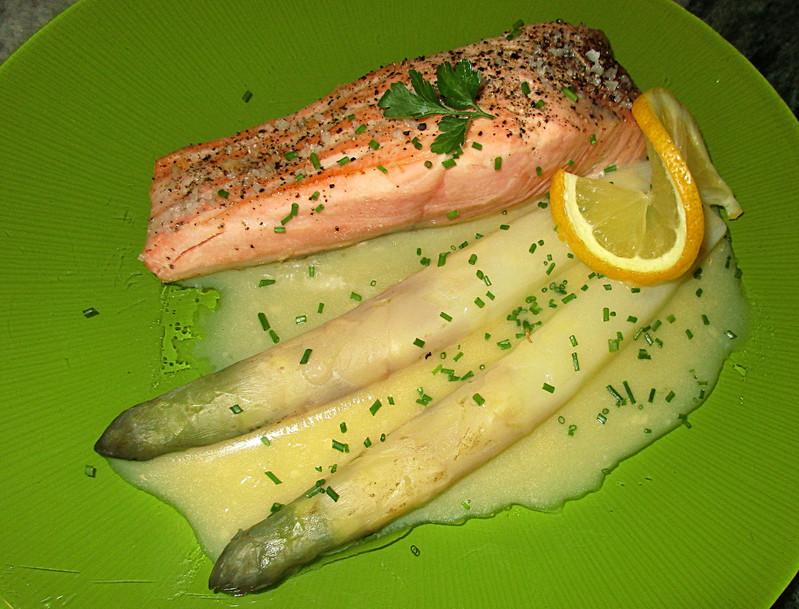 Pav de saumon et asperges sauce hollandaise - Cuisiner un pave de saumon ...